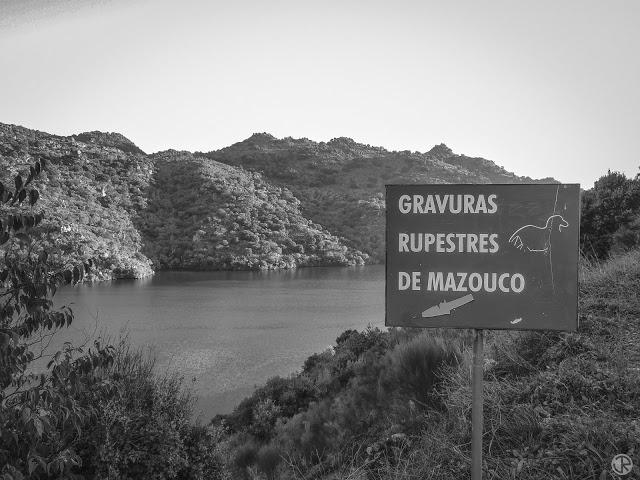GRAVURAS RUPESTRES DO MAZOUCO